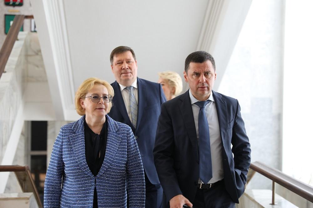 Дмитрий Миронов и Вероника Скворцова обсудили организацию работы отряда ФМБА в Ярославской области