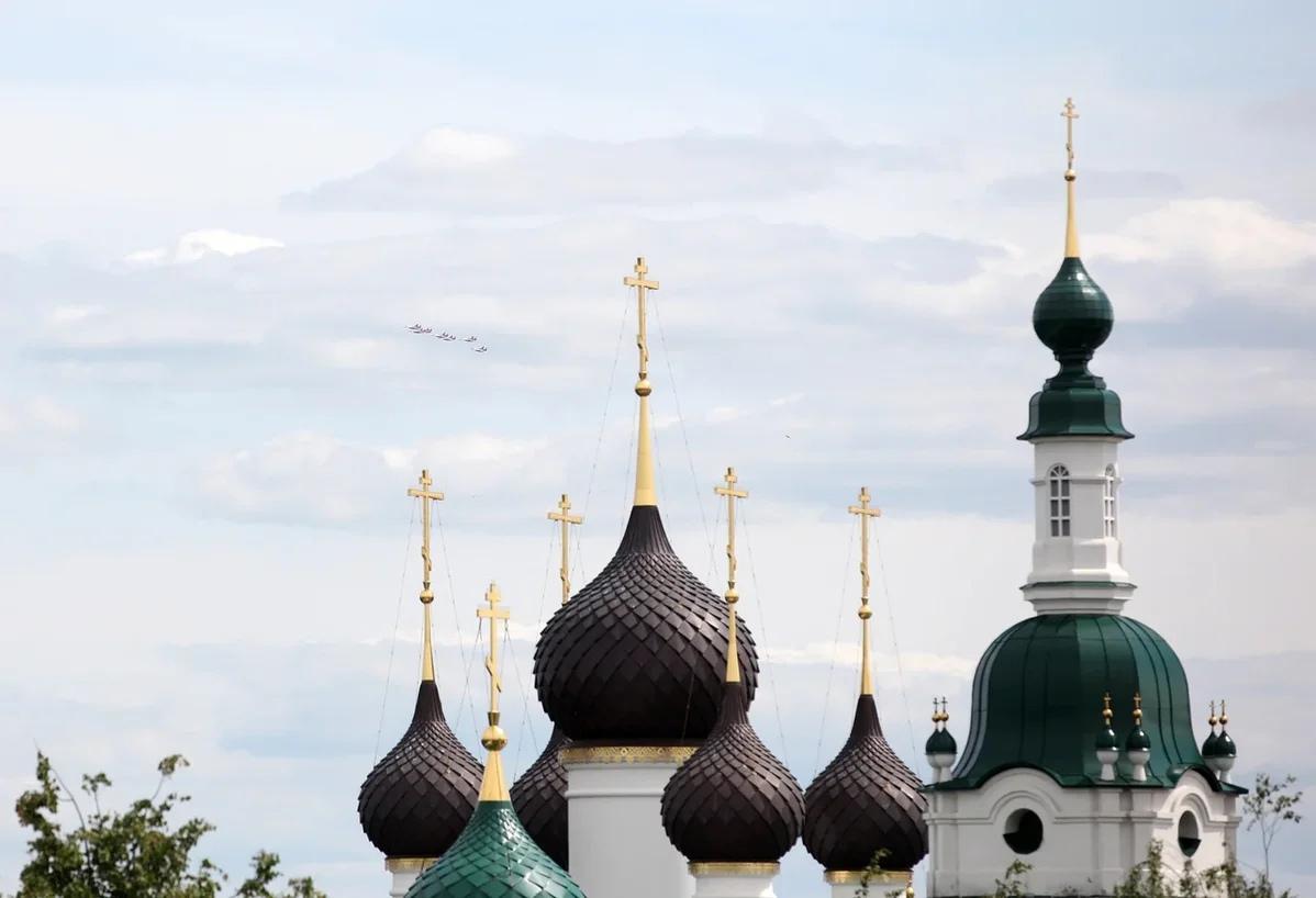 В Ярославле «Стрижи» совершили приветственные виражи