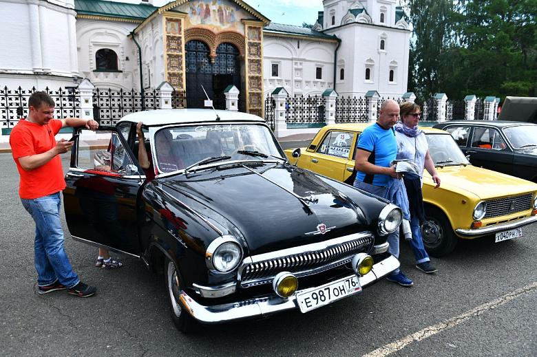 В Ярославле стартовало ралли ретромашин
