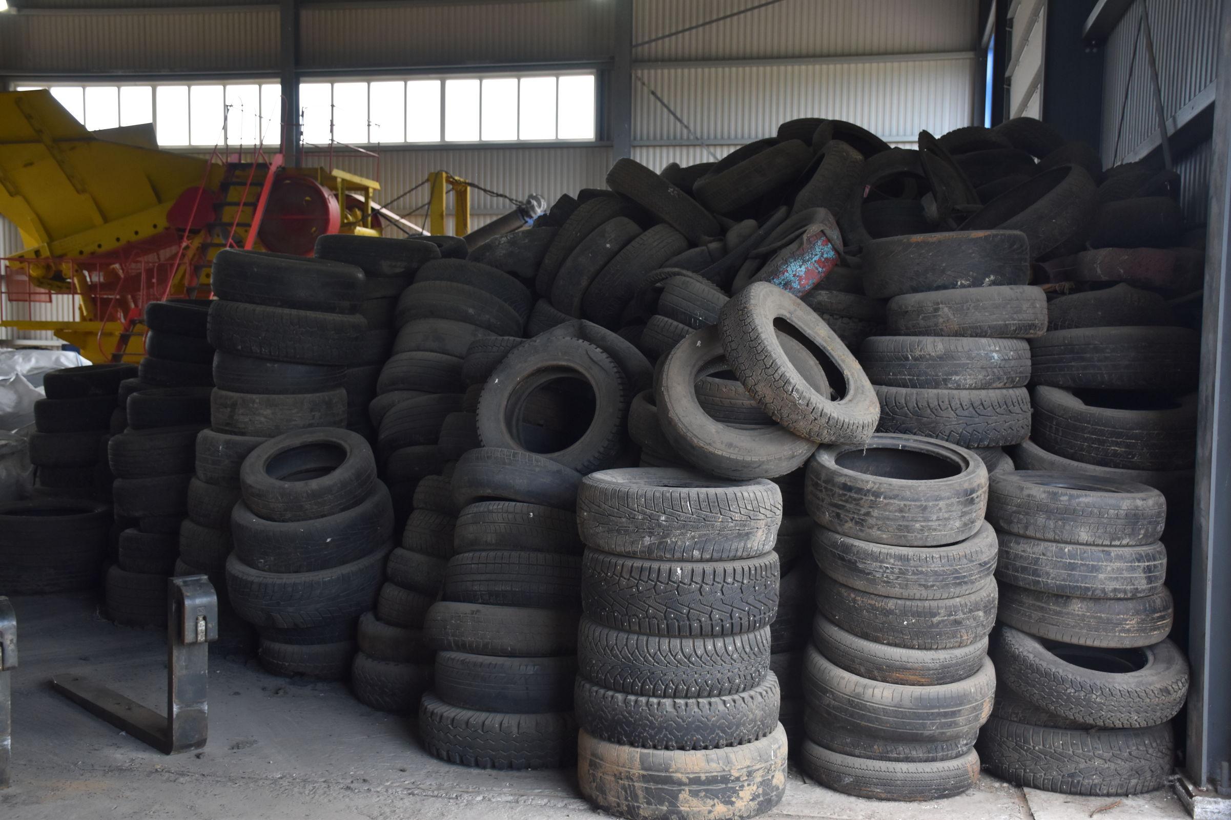 Ярославцы собрали более 20 тонн старых автопокрышек для переработки в рамках природоохранной акции