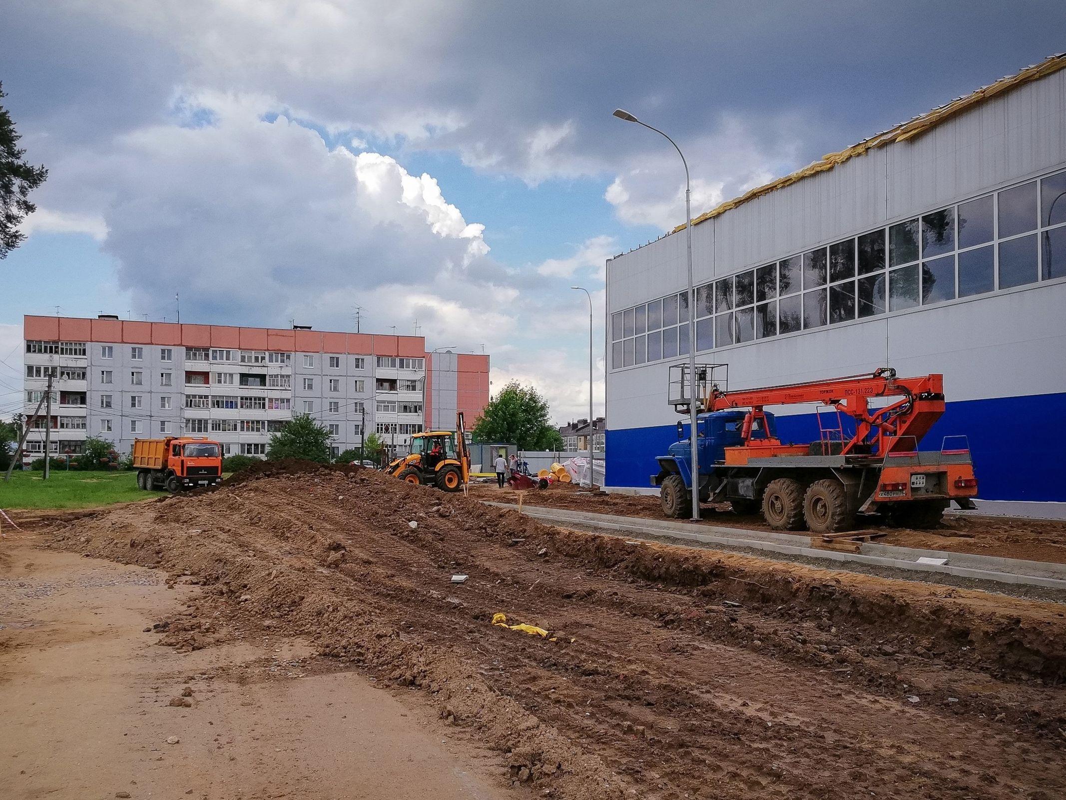 Строительство ФОКа в поселке Красные Ткачи вышло на завершающий этап