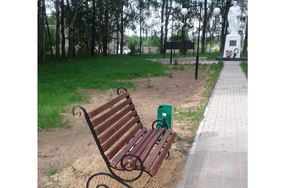 Памятные места в честь погибших в годы Великой Отечественной войны благоустраивают в Некрасовском районе