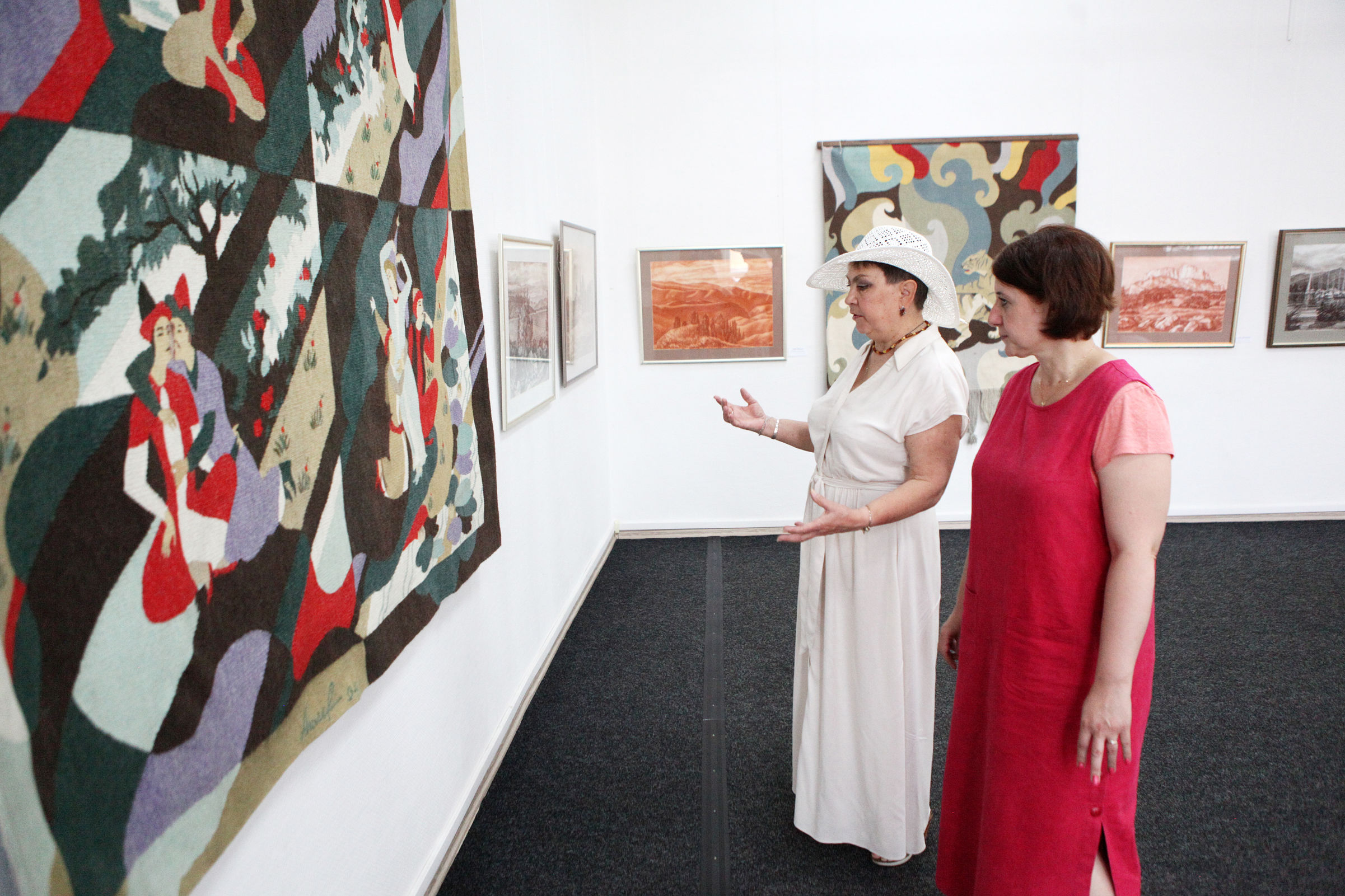 В Ярославле представили работы художника-монументалиста Бориса Анисимова