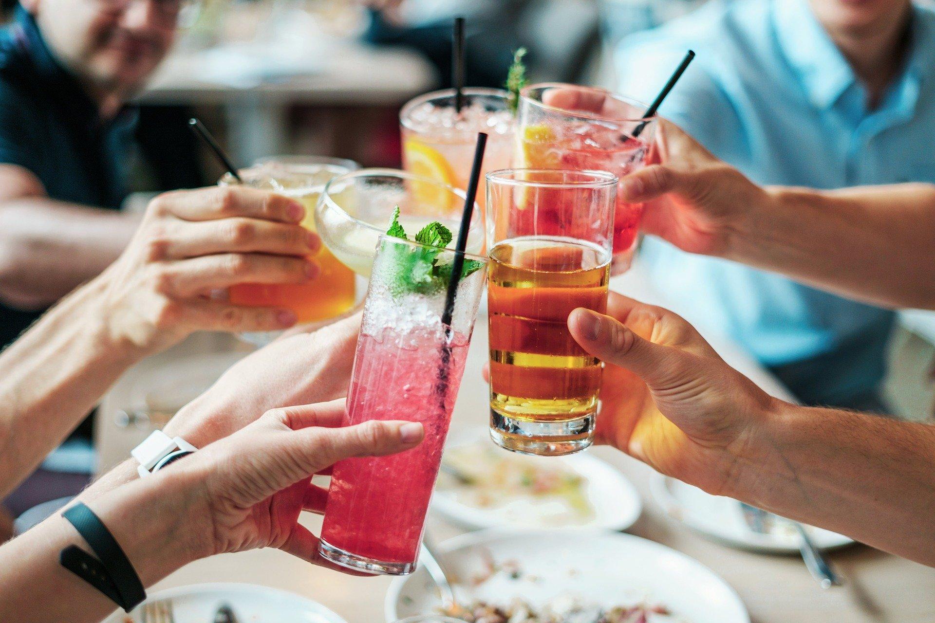 В Ярославской области насчитывается около 10 тысяч алкоголиков: какую помощь оказывают в регионе зависимым людям
