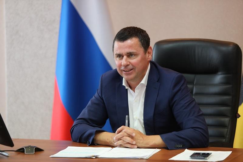 Дмитрий Миронов призвал максимально использовать все доступные возможности для отстаивания интересов молодежи