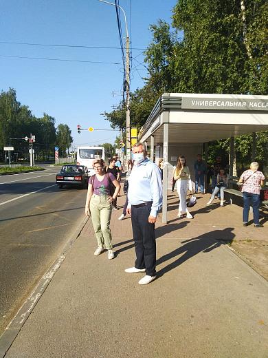 Глава Заволжского района Ярославля попробовал добраться до центра города в час пик на общественном транспорте