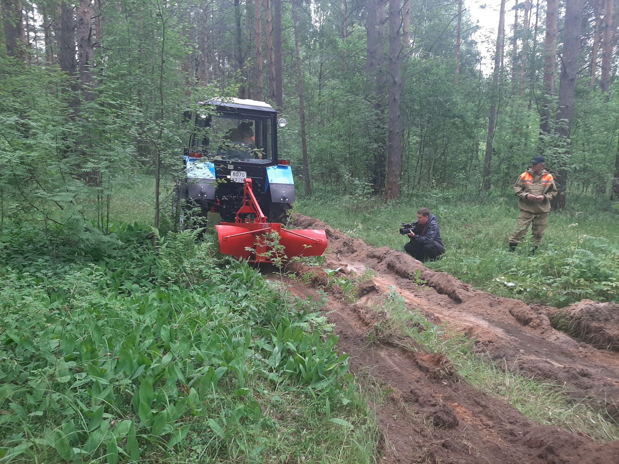 Новый колесный трактор поступил в регион в рамках реализации нацпроекта «Экология»