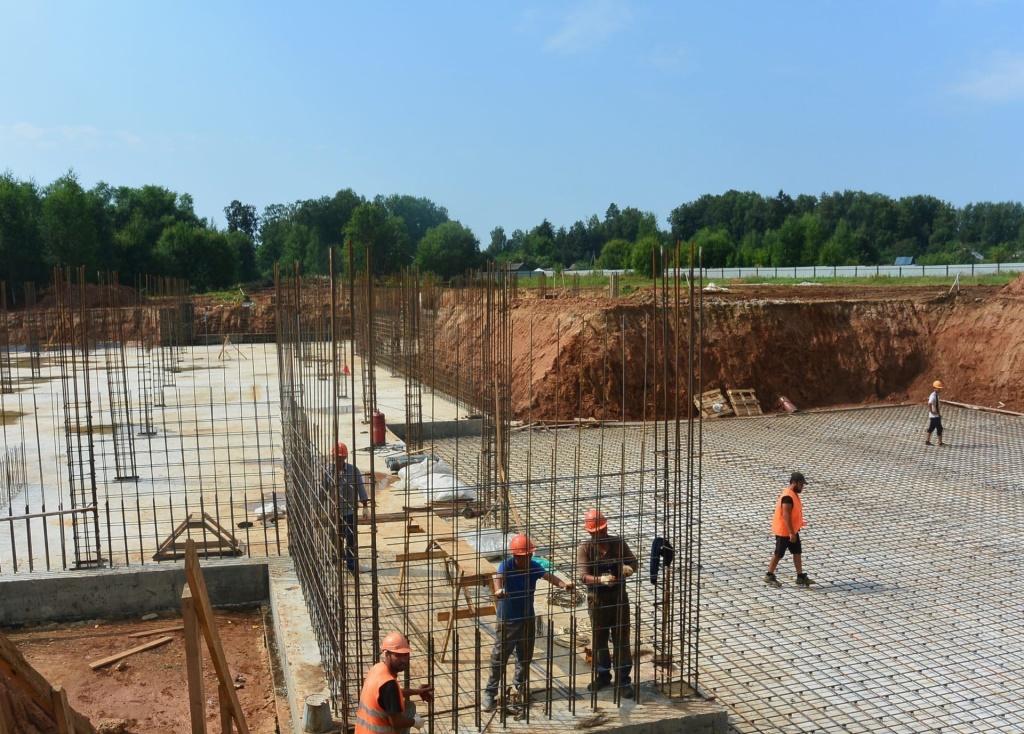 Новую школу в Борисоглебском районе планируют сдать до конца 2022 года