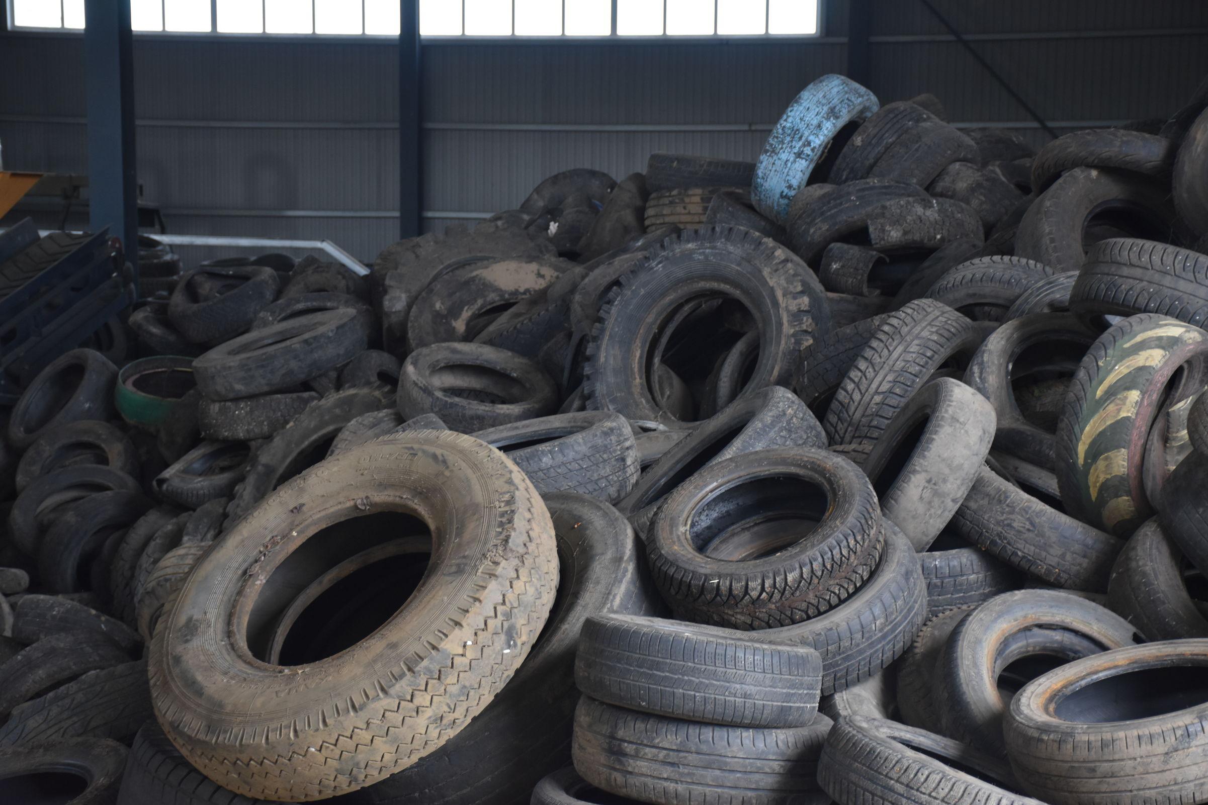 В Ярославле направили на переработку более 50 тонн автопокрышек, собранных в рамках экологических акций