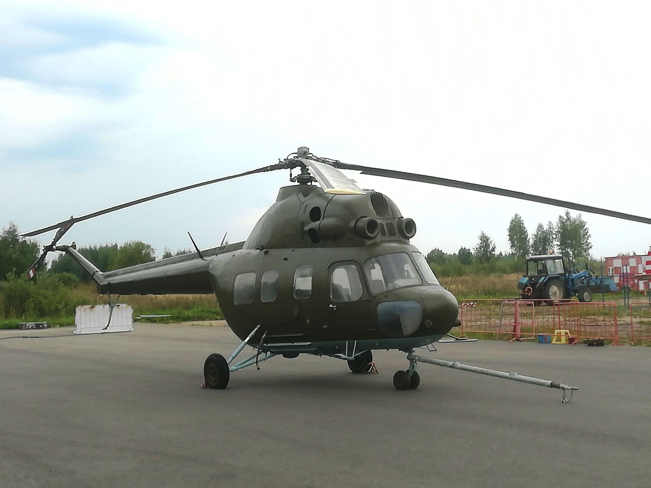 На территории аэродрома под Ярославлем появился уникальный экспонат – вертолет Ми-2