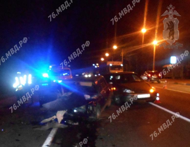 В Ярославской области на федеральной трассе в ДТП с участием четырех машин погиб водитель