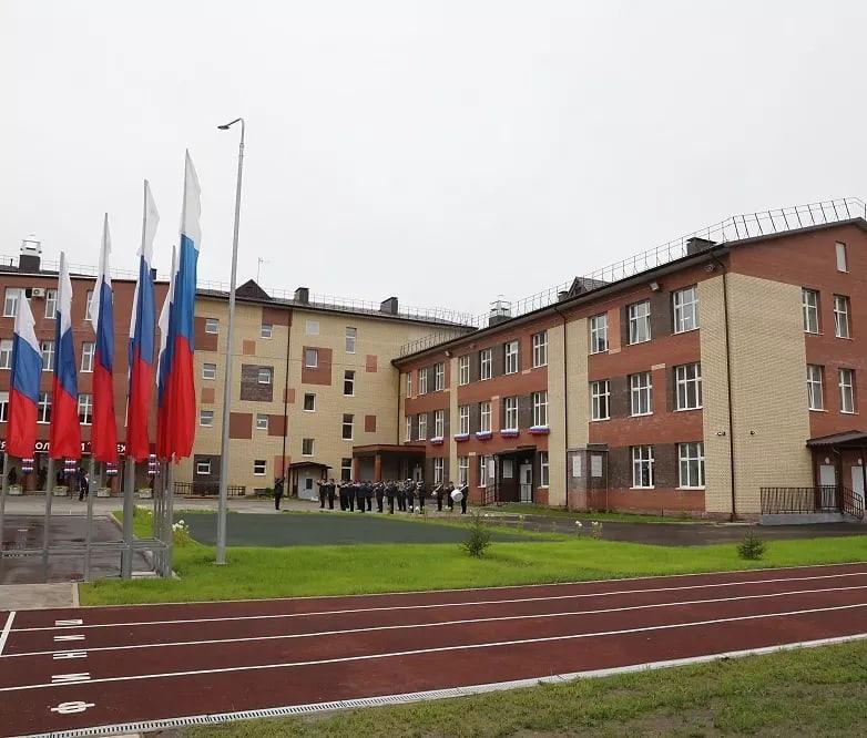 Открытие школы, обновление парка автобусов и тысячи новых учебников: как начался учебный год в Ярославской области