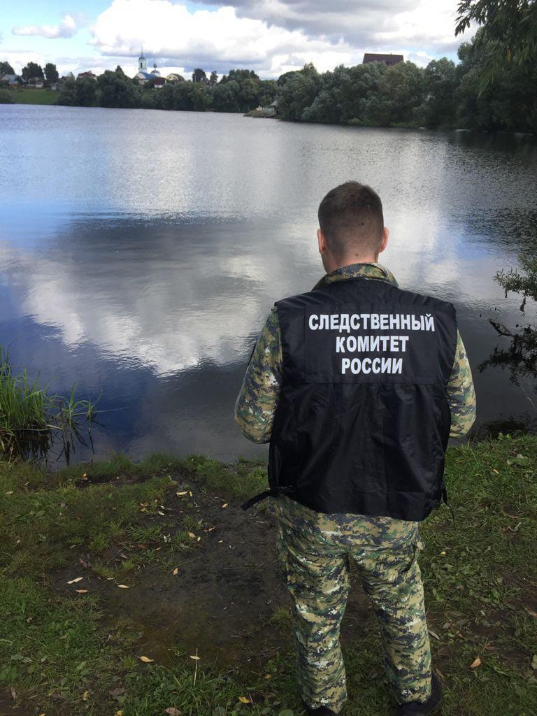 На дамбе в Ярославской области нашли труп