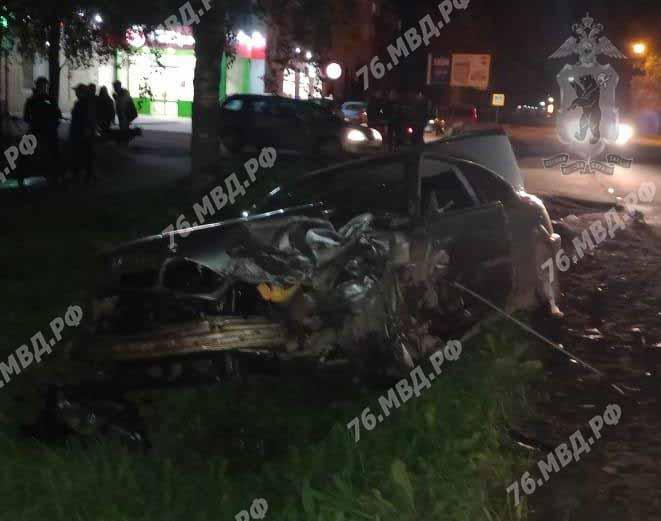В Ярославской области в результате столкновения иномарок пострадали два человека