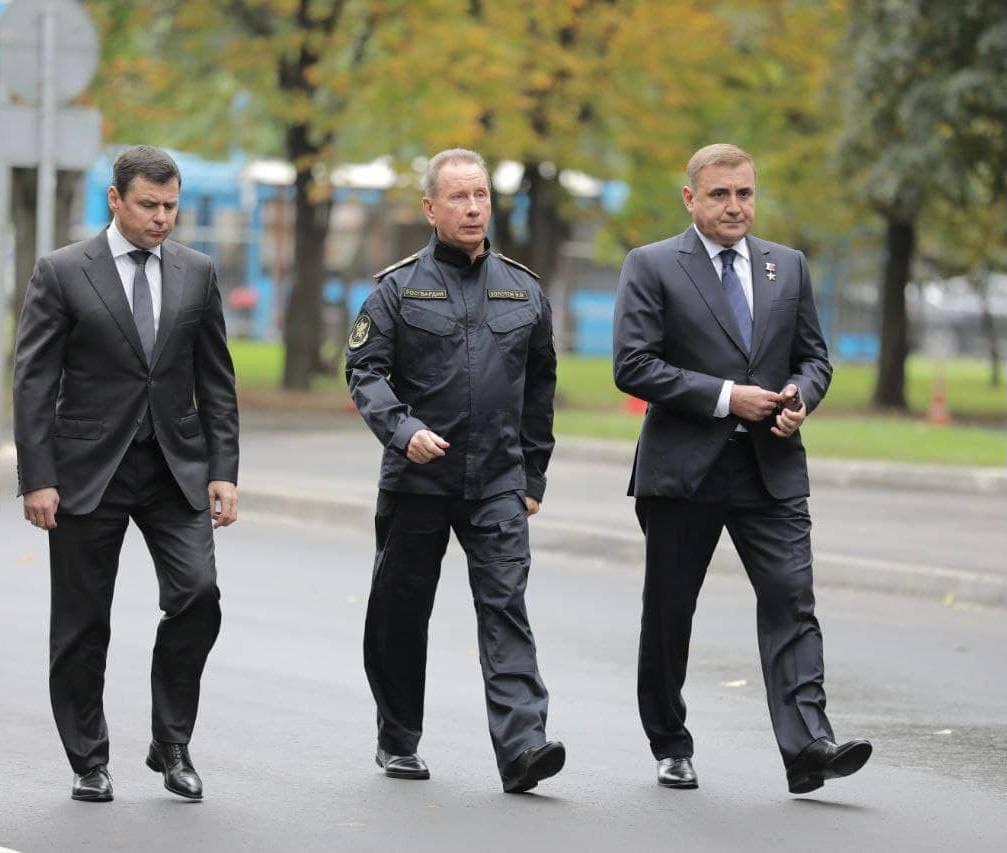 Дмитрий Миронов принимает участие в церемонии прощания с главой МЧС Евгением Зиничевым