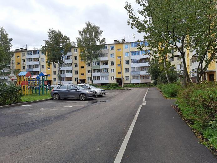 В Ярославле отремонтировали двор на улице Панфилова
