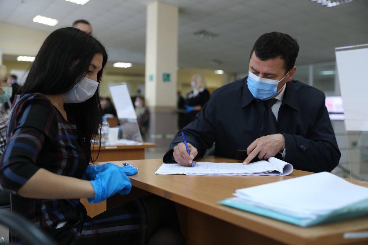 Дмитрий Миронов принял участие в голосовании на выборах в Госдуму