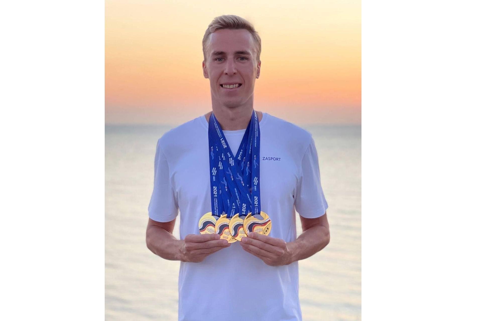 Четыре золотые медали: ярославский пловец сделал подарок к Дню города