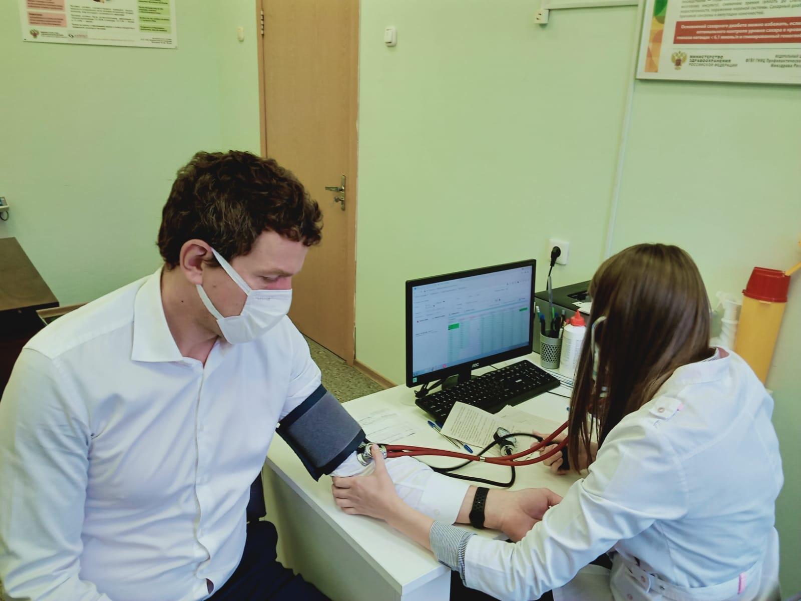 Директор депздрава сообщил об увеличении числа тяжелобольных пациентов с коронавирусом
