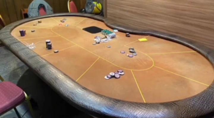 В центре Ярославля накрыли нелегальный покер-клуб