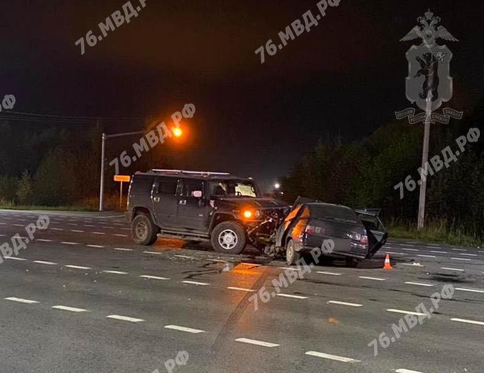 В ДТП с «Хаммером» в Ярославле пострадали три человека