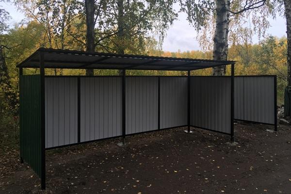 Заключенные ярославской колонии изготавливают и устанавливают контейнерные площадки