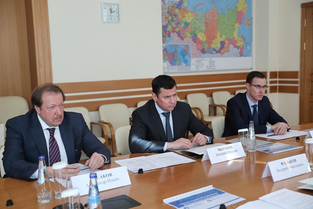 Дмитрий Миронов обратился к главе Минобрнауки с просьбой поддержать программы ярославских вузов по ремонту общежитий