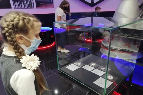 В музее «Космос» в Ярославской области выставили «Космические деньги»