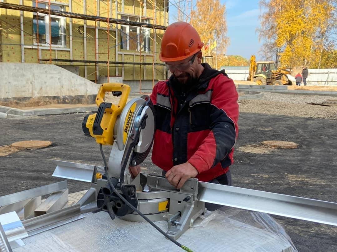 Дмитрий Миронов: строительство детской поликлиники во Фрунзенском районе вышло на финишную прямую