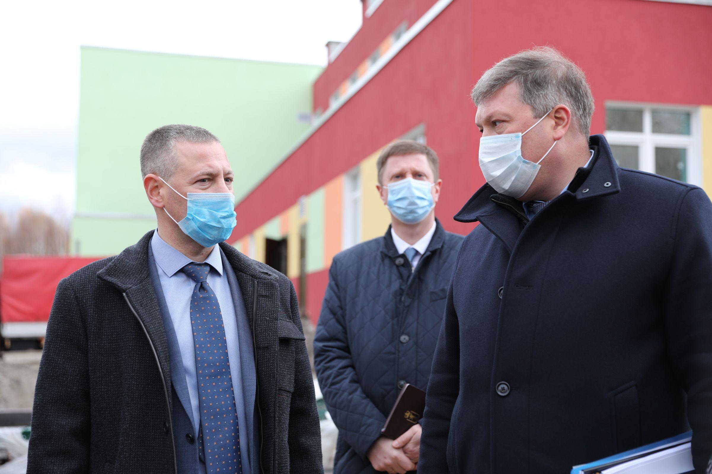 Михаил Евраев потребовал принять меры для завершения в срок строительства проблемного сада в Ярославле