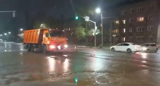 Дороги в Ярославле начали обрабатывать реагентом
