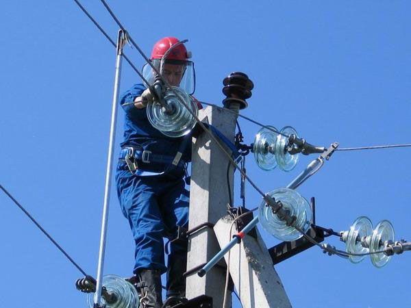 В Ярославском районе началась электрификация земельных участков, предоставленных льготникам