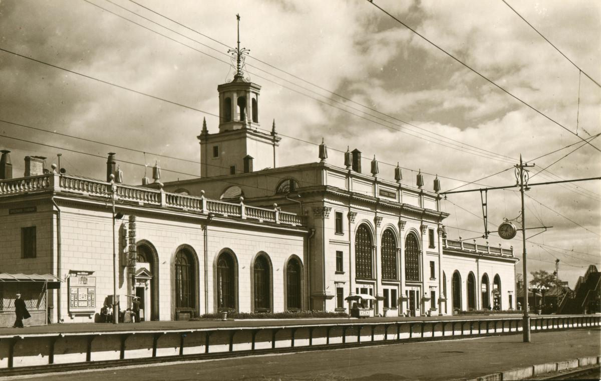 На вокзале Ярославль-Главный откроется бесплатная выставка исторического железнодорожного костюма