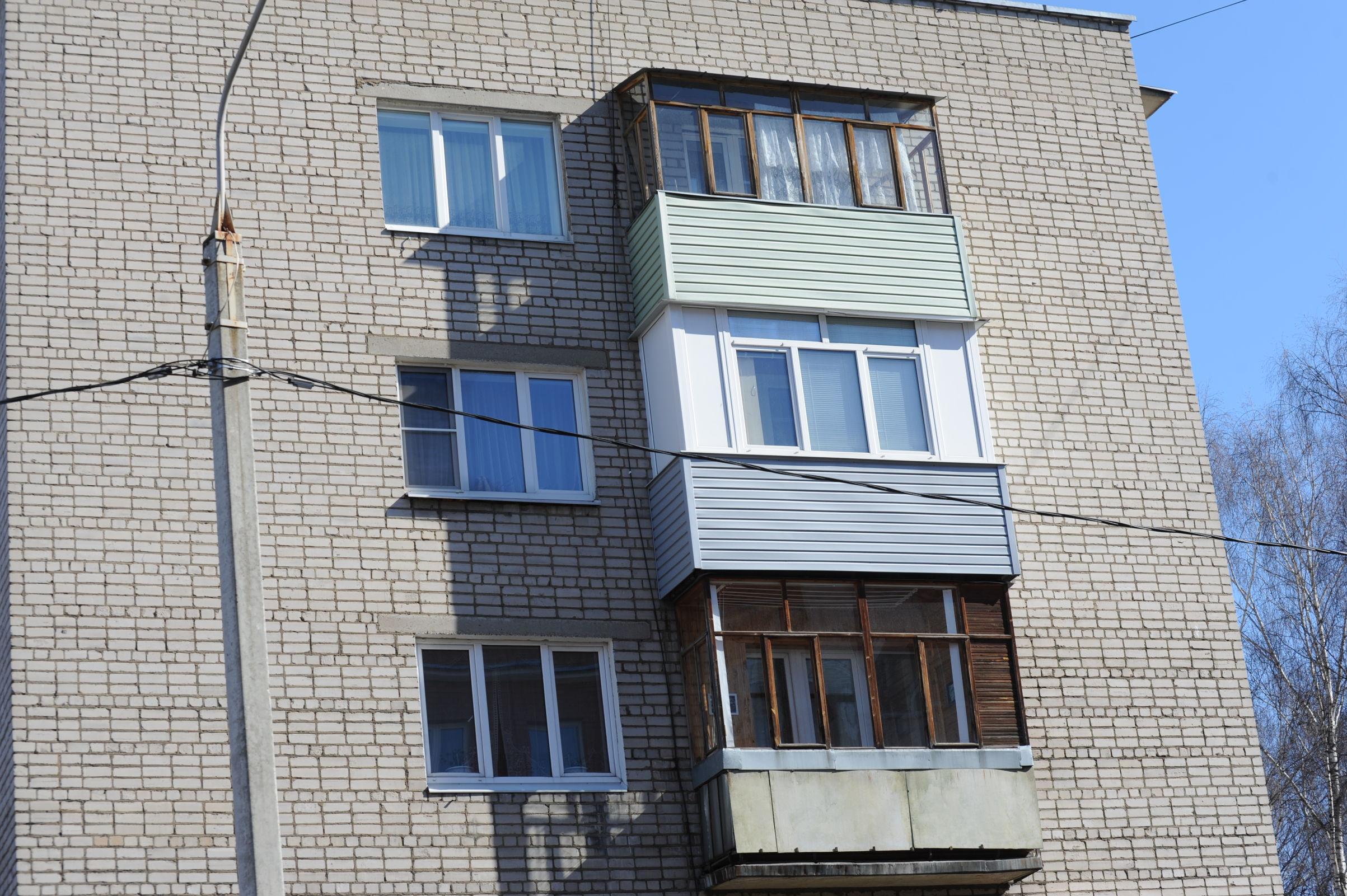 Отвергнутый двумя женщинами ярославец полез в форточку на втором этаже