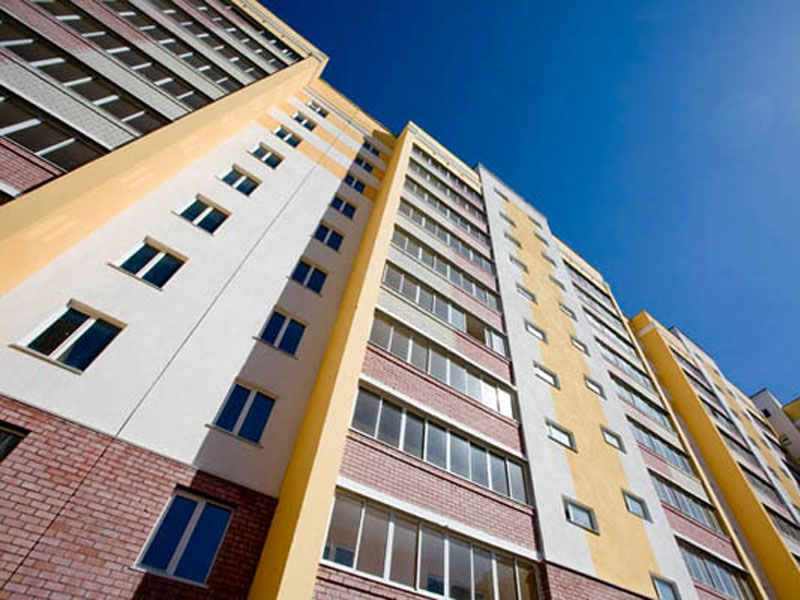 В Ярославле пожилую женщину сняли из окна четвертого этажа
