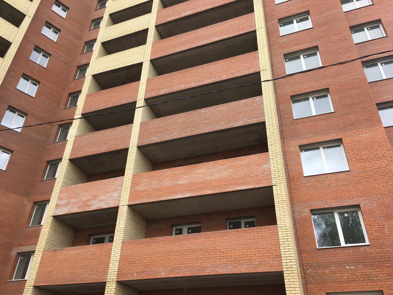 В Ярославле под окнами многоэтажки нашли труп девушки