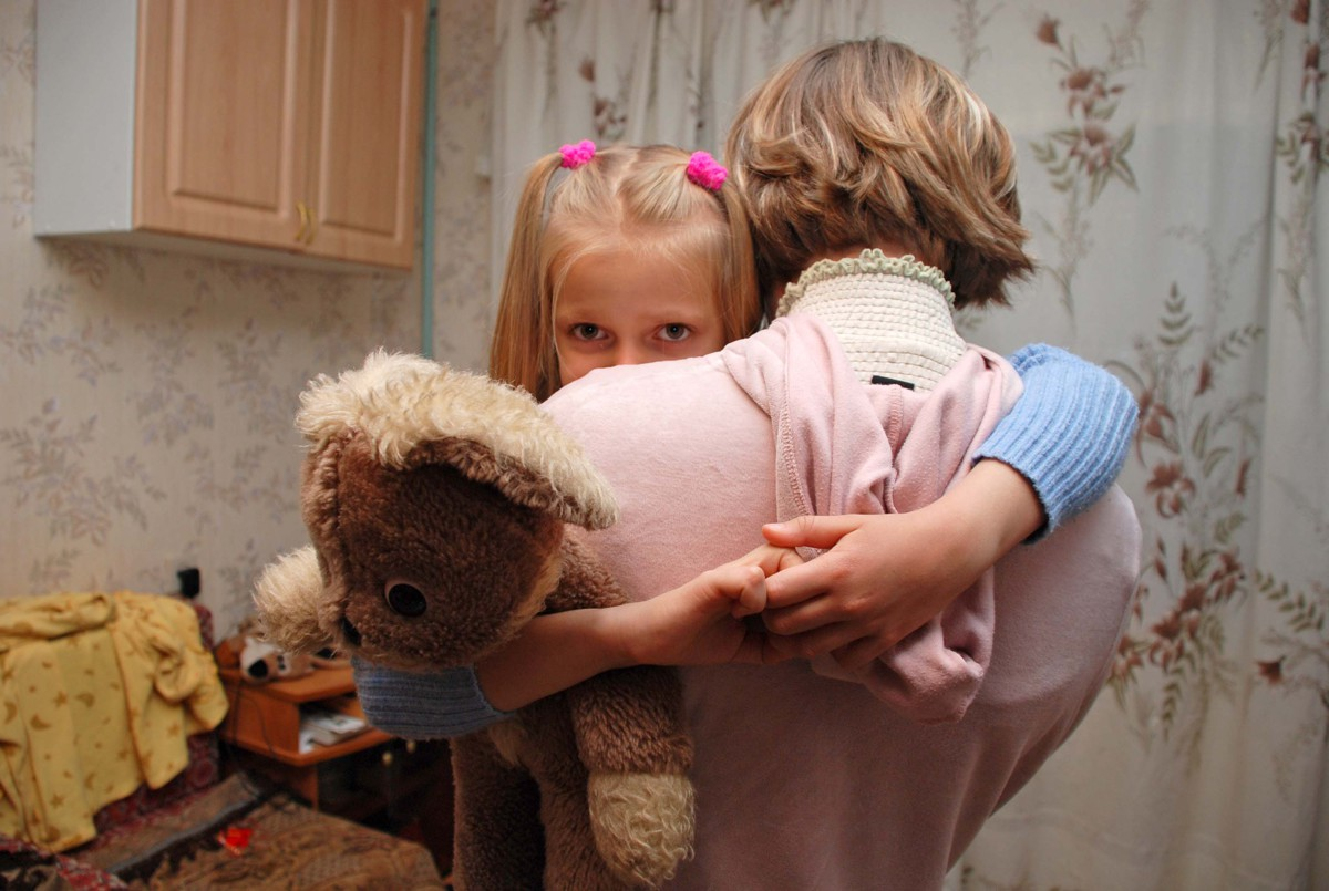 Программа «Пока все дома с Тимуром Кизяковым» снимает видеопаспорта ярославских сирот