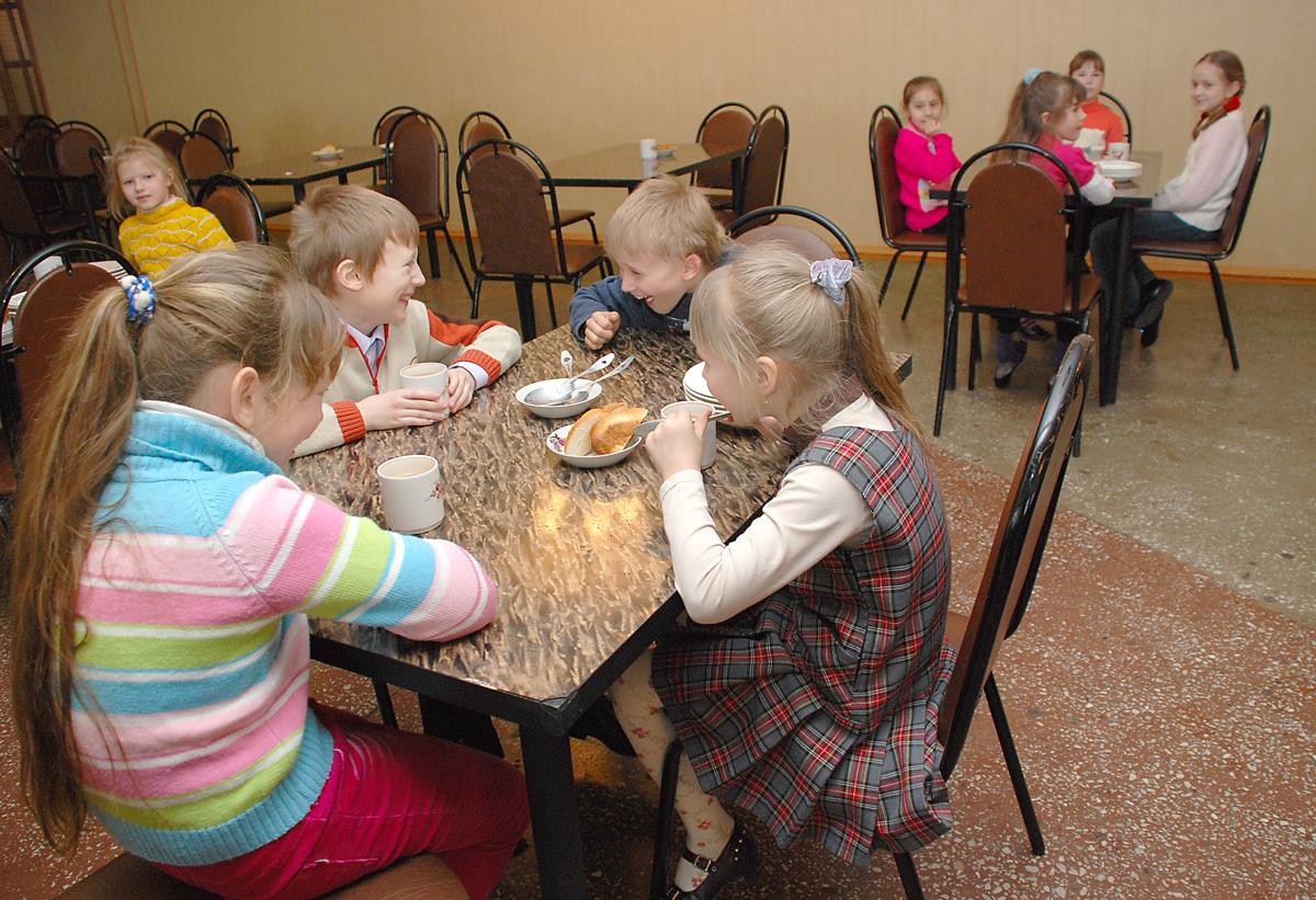 В школе в Ярославской области детей кормили опасной едой