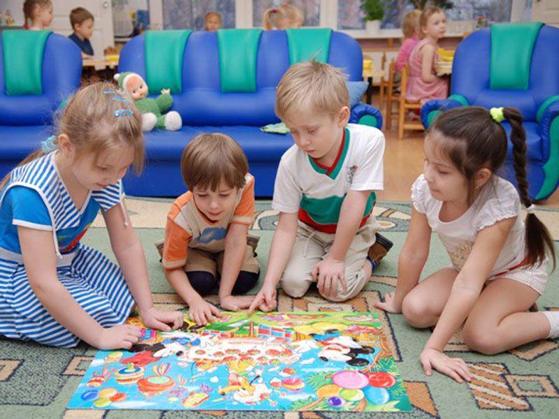 В Ярославле из-за ОРВИ и гриппа на карантин закрылись группы в садиках и классы в школах