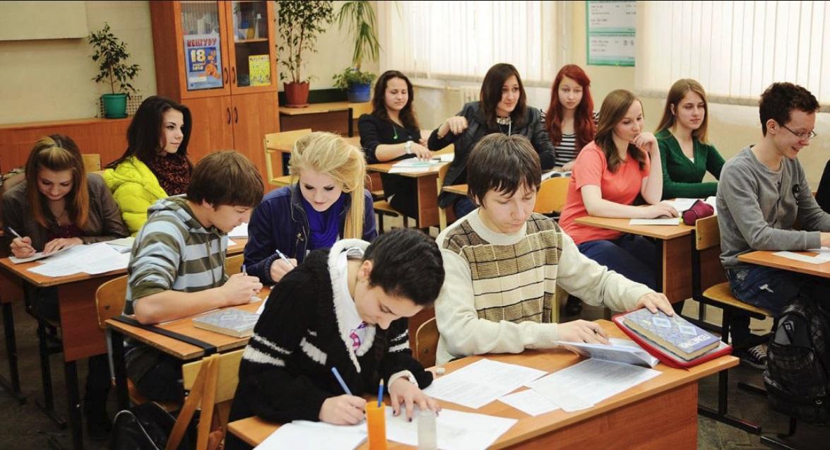 В Ярославле объяснили причины увольнения директоров элитных школ