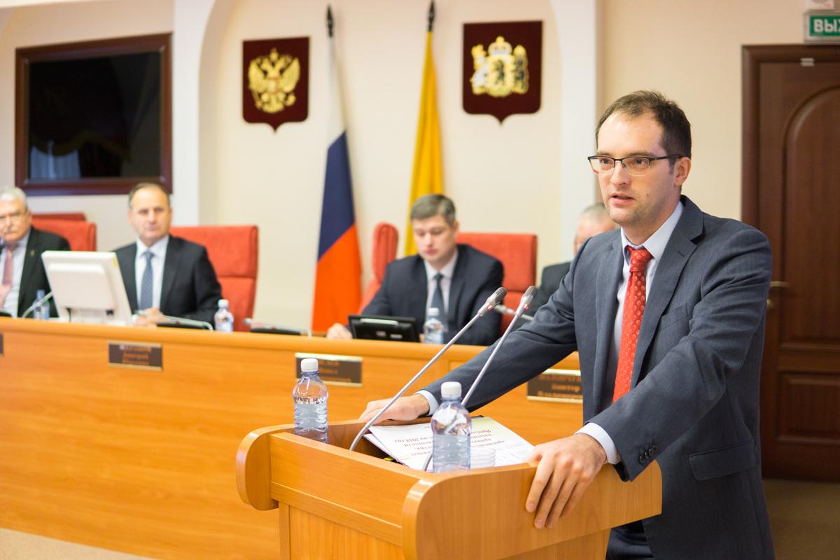 Исполнять обязанности руководителя аппарата правительства области будет Роман Колесов