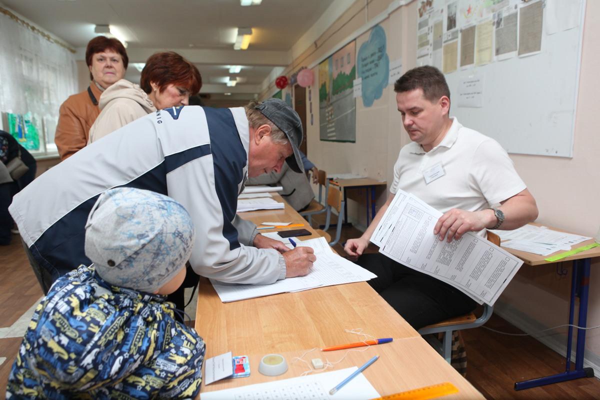 На выборах губернатора Ярославской области побеждает Дмитрий Миронов