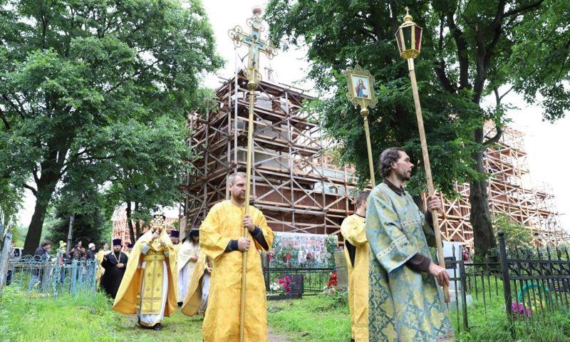 Власти Ярославской области рассчитывают получить средства на завершение реконструкции храма на родине Ушакова