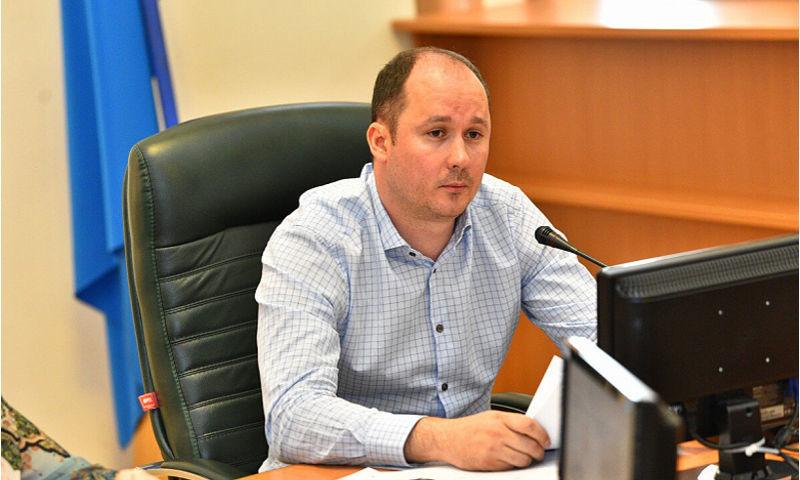 Суд освободил экс-советника мэра, обвиняемого в получении взятки, из-под стражи