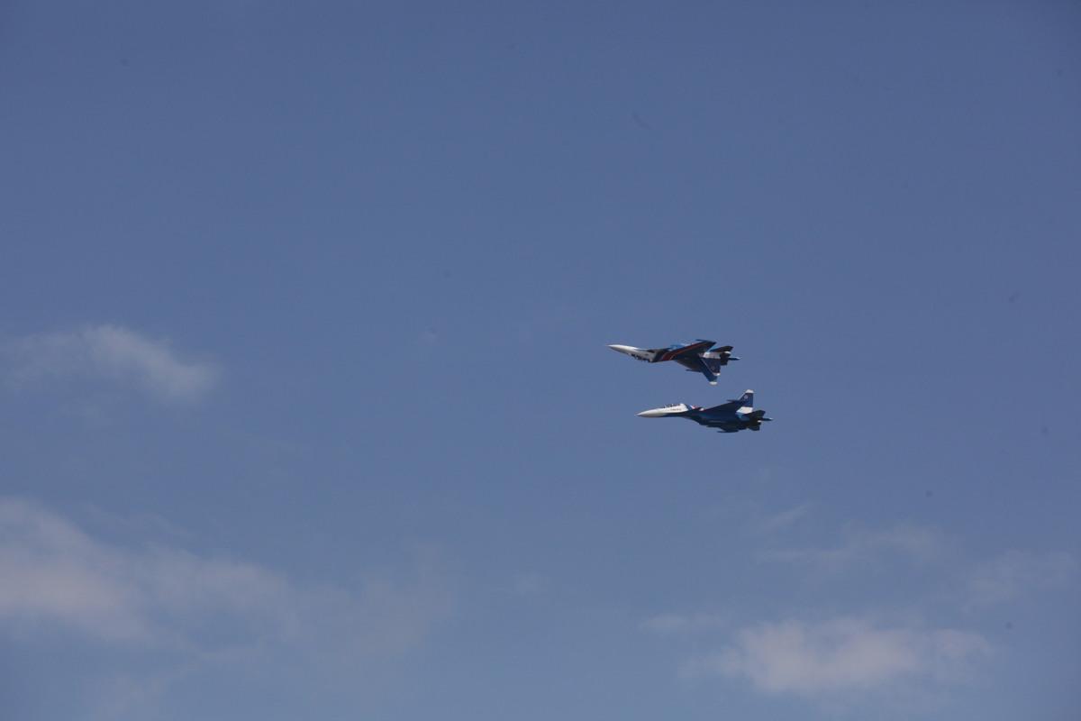 Военные самолеты в небе над Ярославлем: что происходит