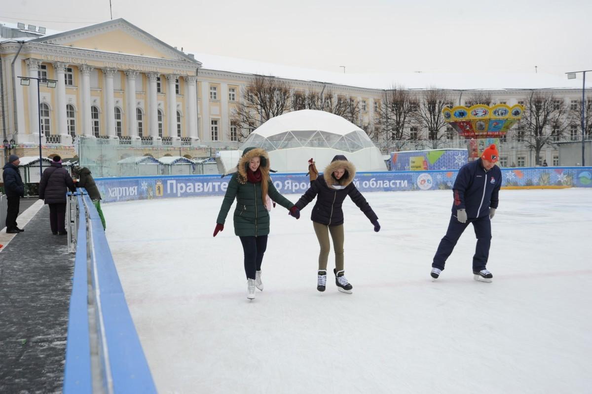 Каток на Советской площади ежедневно посещают около 500 ярославцев