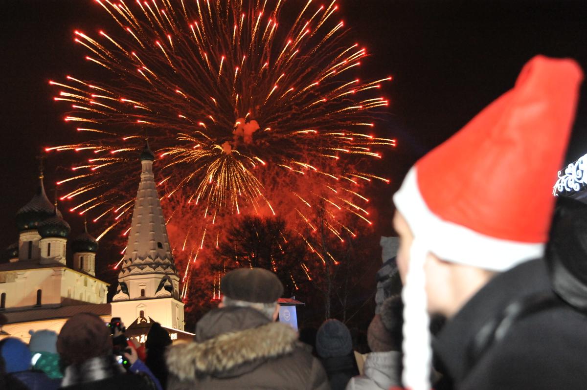 Ярославцев в новогоднюю ночь ждет 12-минутный фейерверк