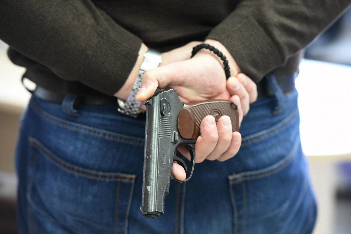 Стрелял и нападал с электрошокером: ограбившему почтальонов на 1,5 млн. ярославцу уменьшили срок из-за кредита