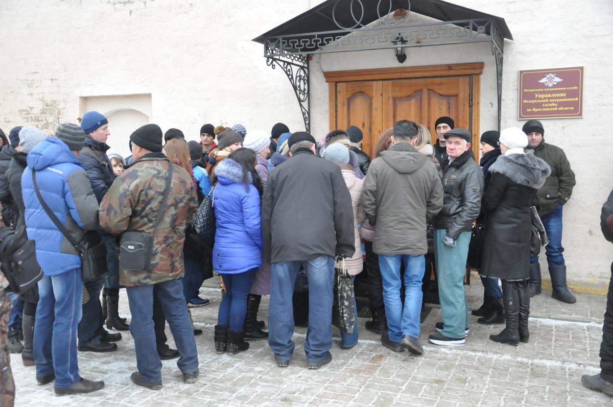 Нелегальных мигрантов обнаружили на стройплощадке в Ярославле