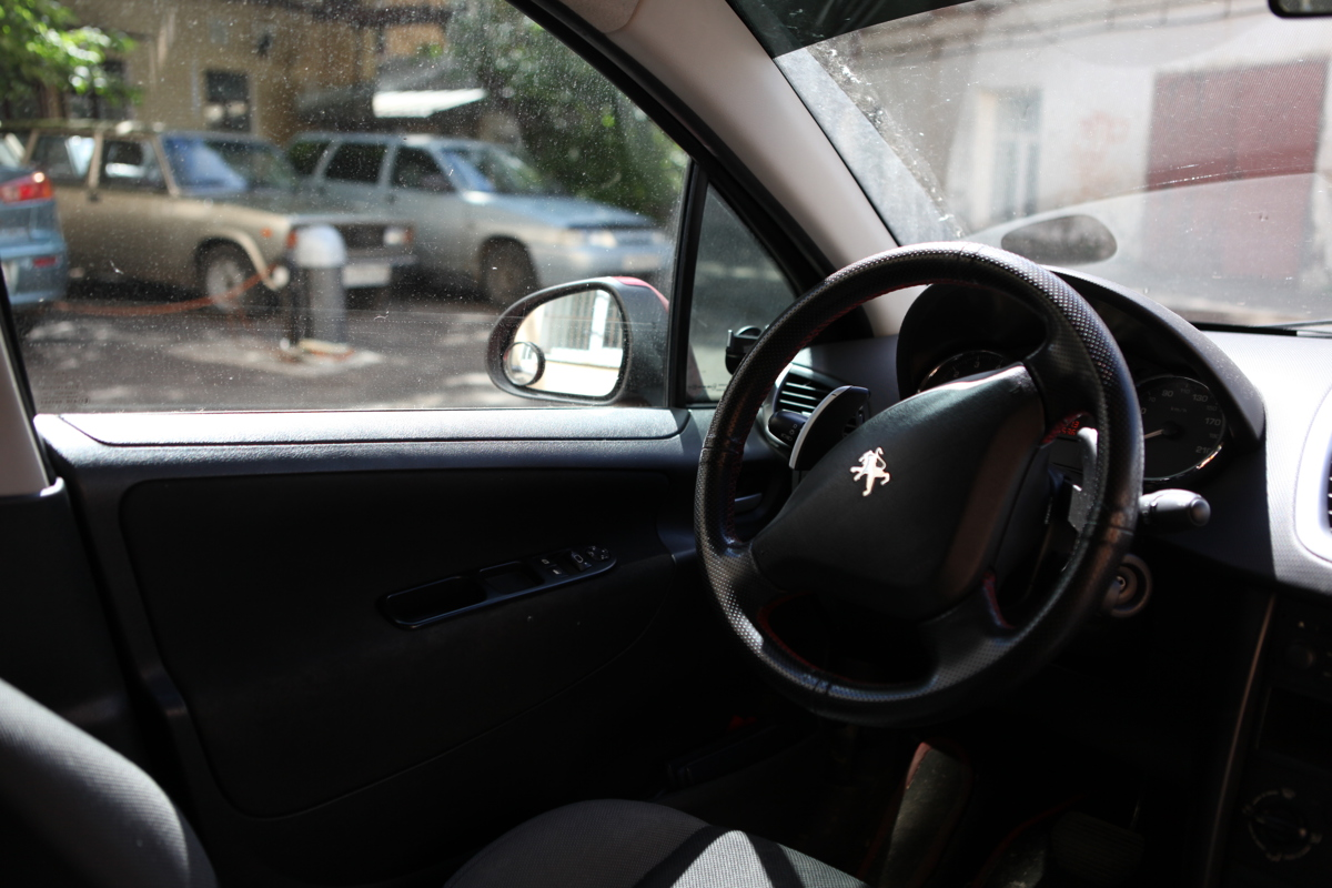 Задержан рецидивист, обворовавший несколько машин в центре Ярославля